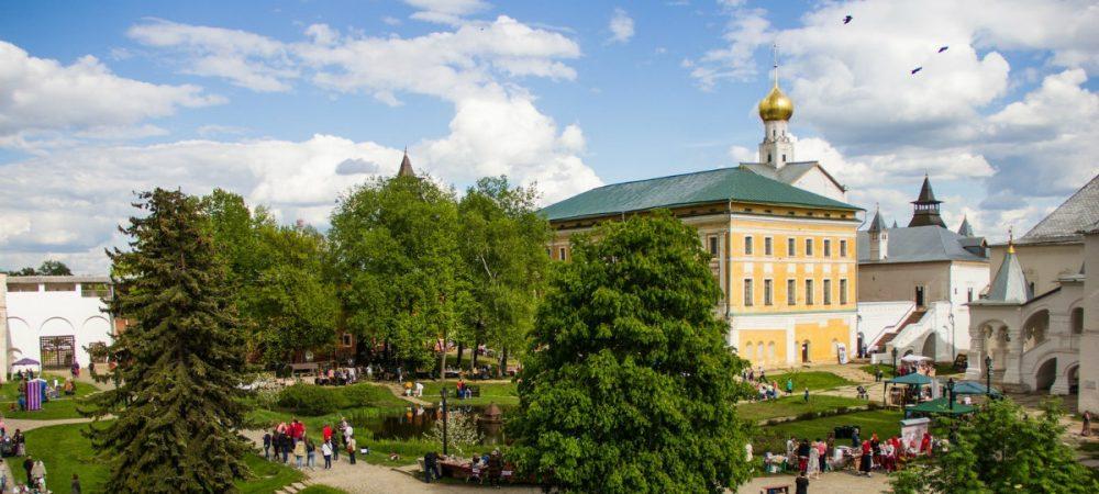 «Живая старина» в Ростовском кремле — XVI фестиваль музыки и ремесел